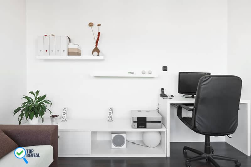 black and white desk and chair at study room