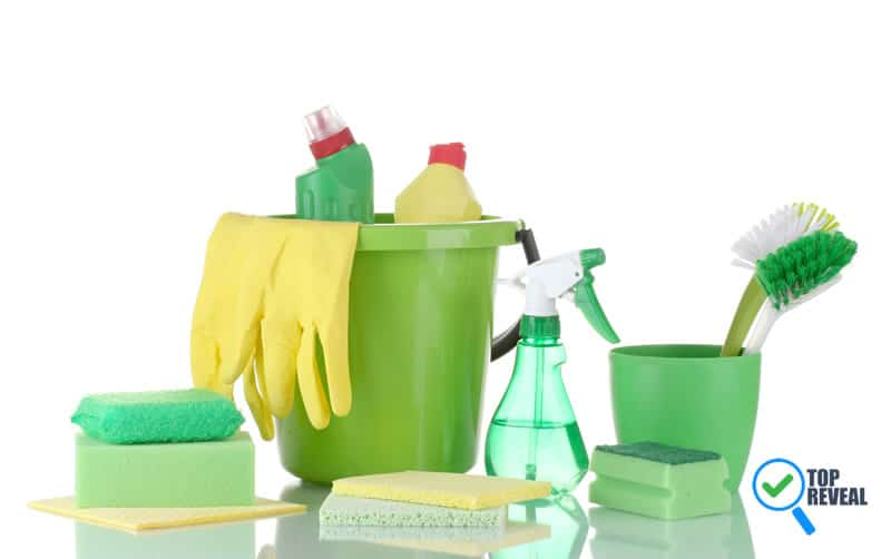 25 DIY Green Cleaning Products that will Save You Money
