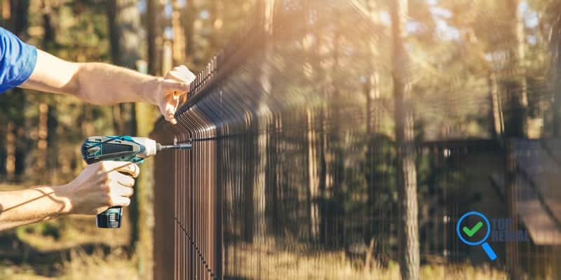 Tips on Choosing the Right Fencing Contractor