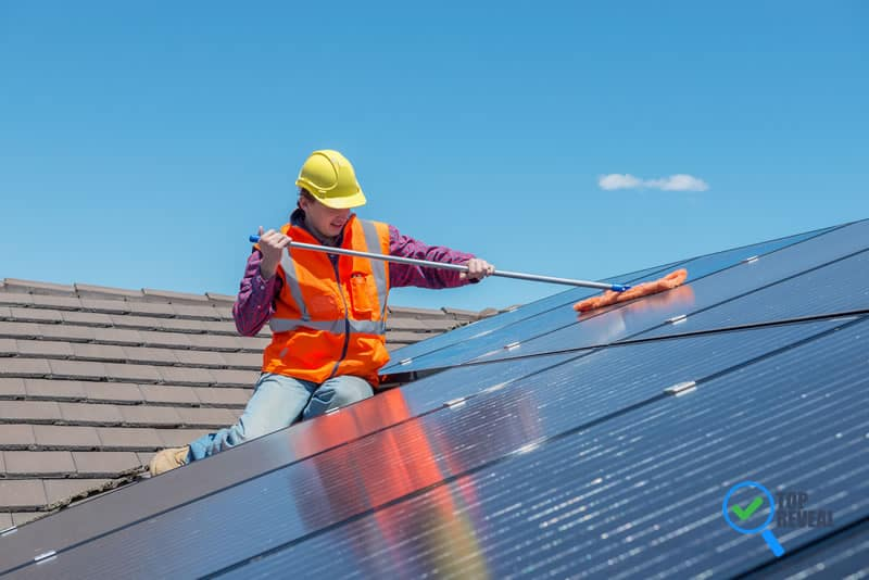 What to Know About Solar Panels Cleaning