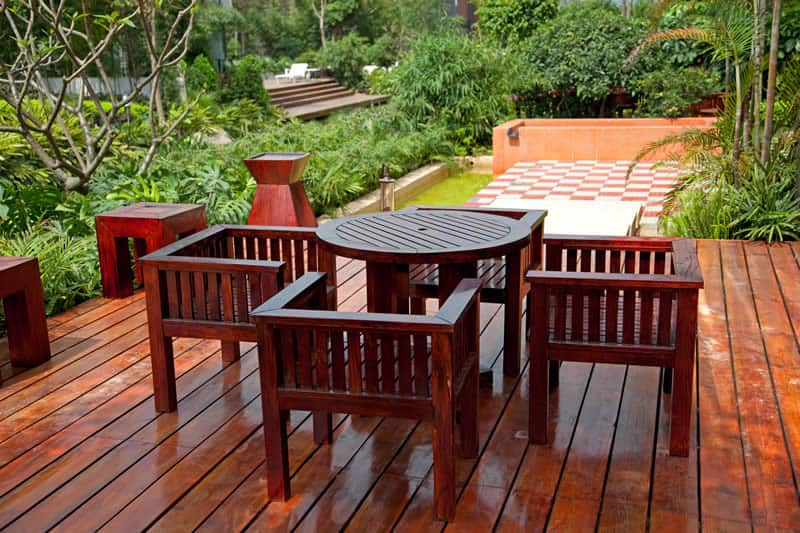 What outdoor furniture and table needs